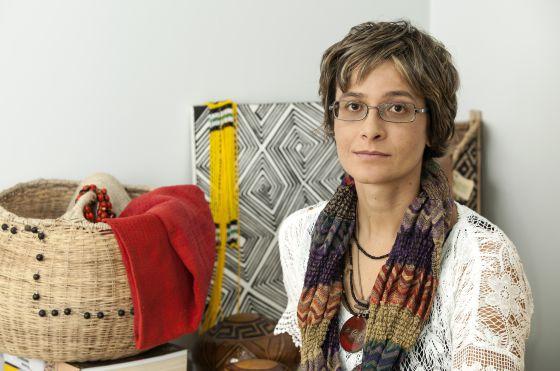 ampliar fotoA procuradora Thais Santi, em sua sala no Ministério Público Federal de Altamira, no Pará LILO CLARETO DIVULGAÇÃO