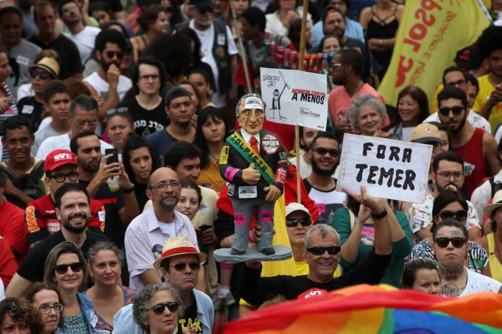 Manifestação no Rio de Janeiro - Foto: MARCELO SAYÃO - EFE (Reprodução EL PAÍS)