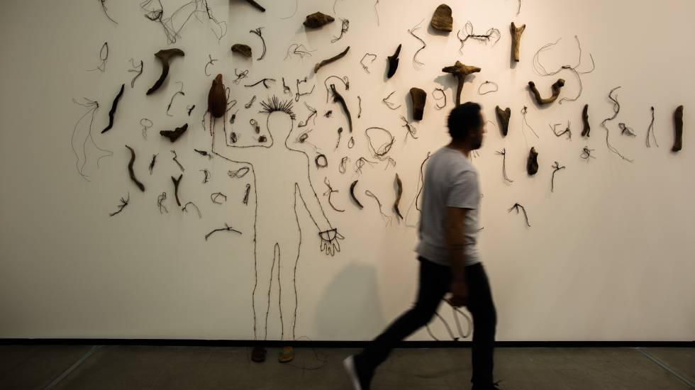 Exposição 'Osso', em cartaz no Instituto Tomie Othake. (JOÃO CASTELLANO/ Reprodução El País)