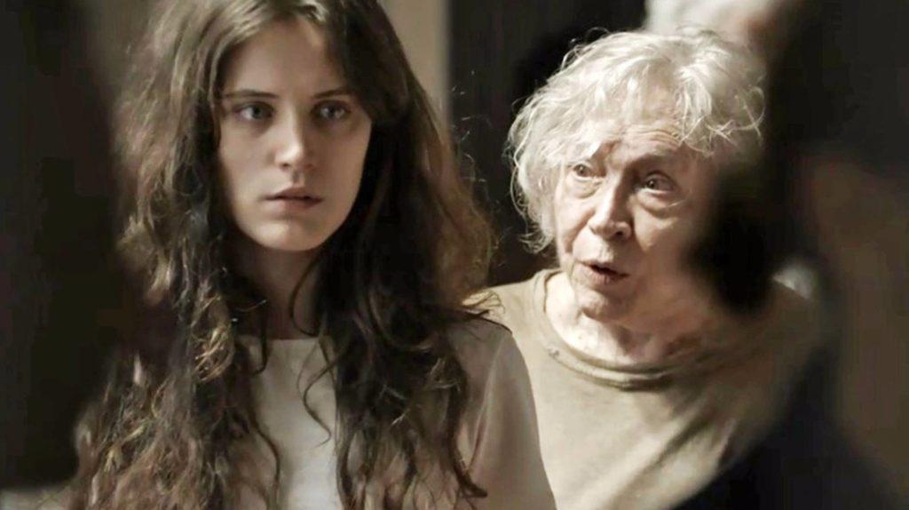 As atrizes Bianca Bin e Nathalia Timberg em cena da novela 'O outro lado do Paraíso' DIVULGAÇÃO/GLOBO