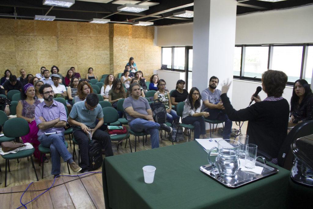 Manaus, AM 06/20/2017 - Palestra da jornalista,documentaris e escritora Eliane Brum no miniauditório da Escola Superior de Artes e Turis mo (ESAT) da Universidade do Estado do Amazonas UEA, promovida pela Agência de Jornalismo Independente Amazônia Real pelos seus 4 ano e criada pelas jornalistas Kátia Brasil e Elaíze Farias. A professora Dra Lucia ne Páscoa, coordenadora do Programa de Pós Graduação em Letras e Artes (PPGLA-UEA) falou na abertura do evento. (Foto Alberto César Araújo/Amazônia Real)