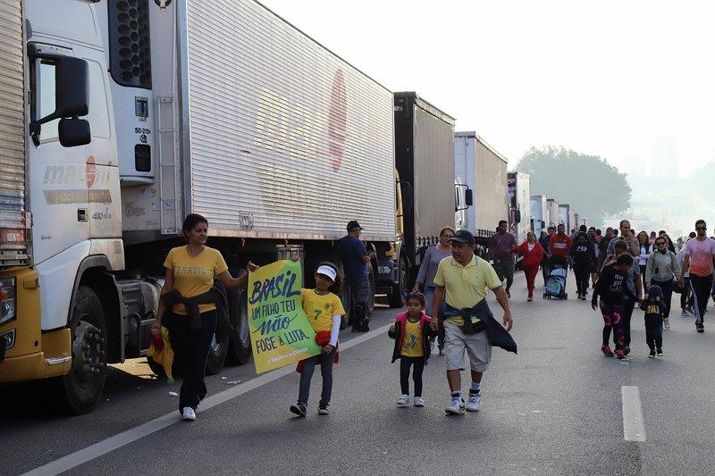 Greve dos caminhoneiros, via Anchieta próximo da entrada para o Rodonel. São Bernardo do Campo, SP. 27 de maio de 2018. Fotos: Roberto Parizotti/ Fotos Públicas