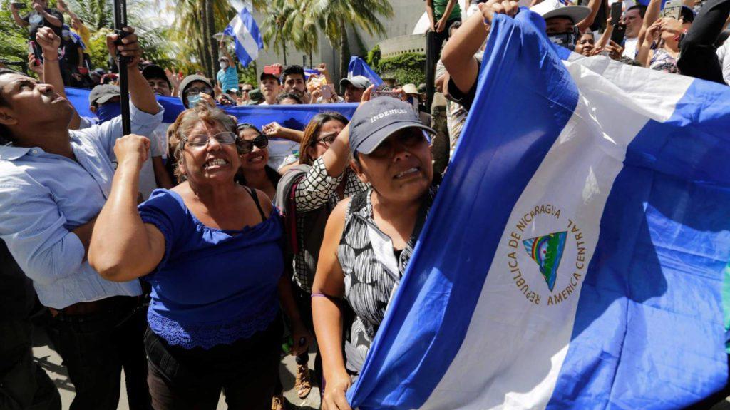 Protestas en Nicaragua contra la represión de presidente Daniel Ortega. INTI OCON AFP (Reprodução do El País)