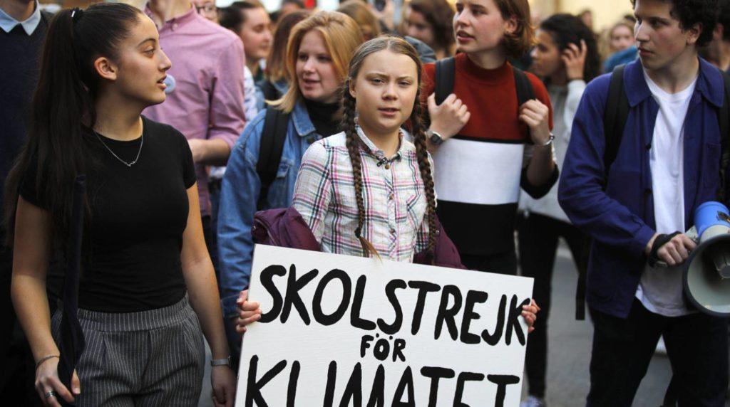Greta Thunberg, en una marcha en febrero. (AP/Reprodução do El País)