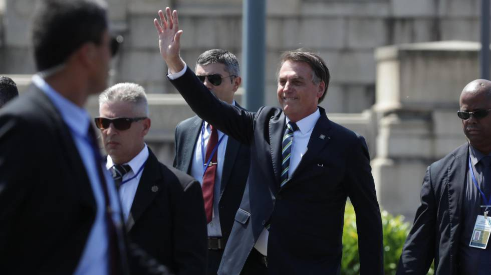 El presidente de Brasil, Jair Bolsonaro, en Montevideo, el pasado domingo. RAÚL MARTÍNEZ EFE (Reprodução do El País)