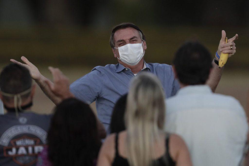 El presidente de Brasil, Jair Bolsonaro, en un acto en Brasilia, el pasado 24 de septiembre.ERALDO PERES / AP (Reprodução do El País)